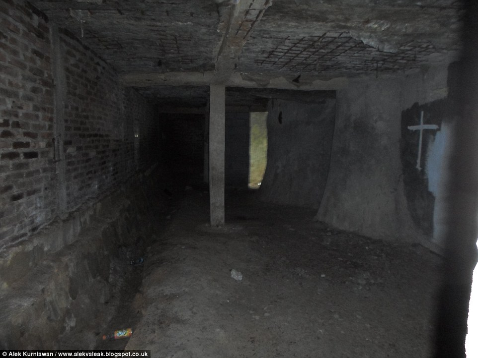 0578-3156330-Worship_On_the_upper_floor_of_the_church_is_an_eerie_and_dark_ro-a-37_1436773194761.jpg