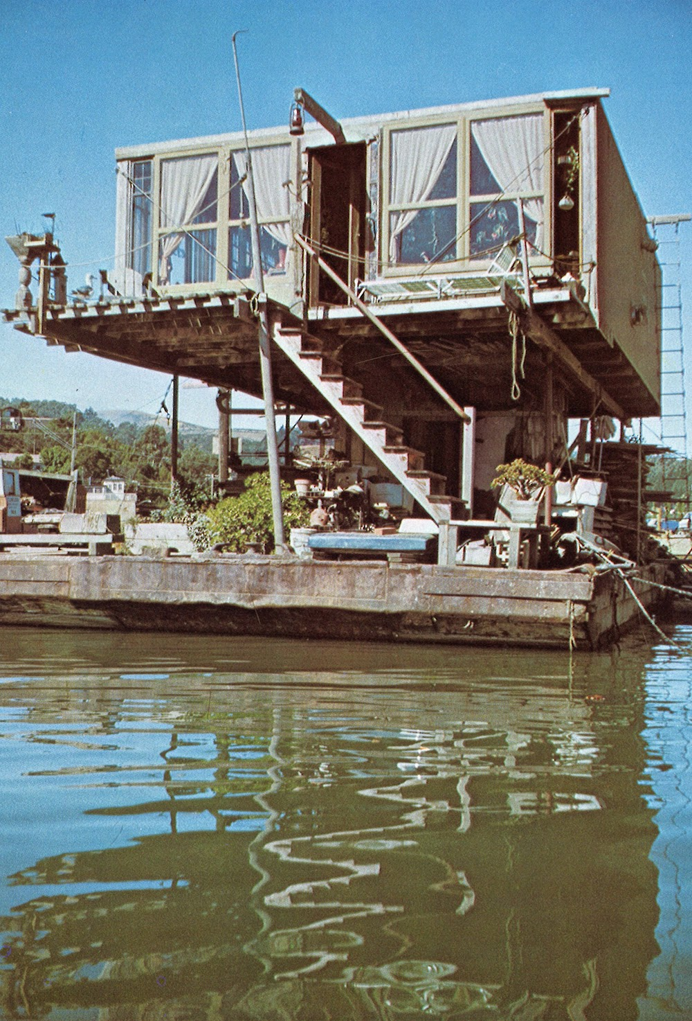 1970 S Houseboats Squat The Planet