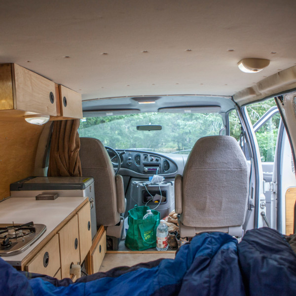 alex-honnold-van-view_ph-jpg.20698_Alex Honnold's Ultimate Adventure Vehicle_Van Dwelling / Rubber Tramping_Squat the Planet_9:30 AM