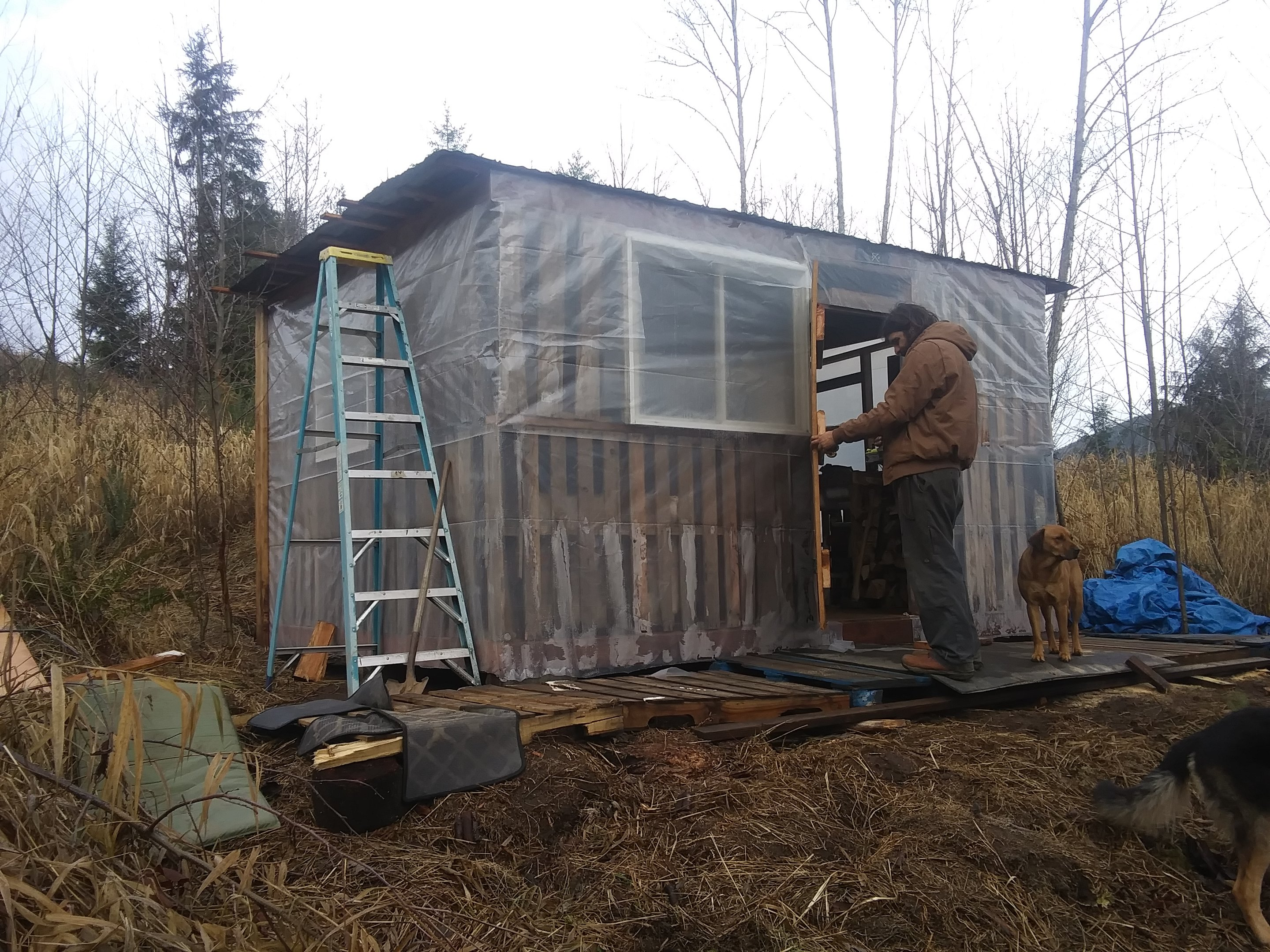 babe-drillin_-jpg.52728_Off-Grid homesteadin' wing'n it yeh_Alternative Housing_Squat the Planet_12:24 PM