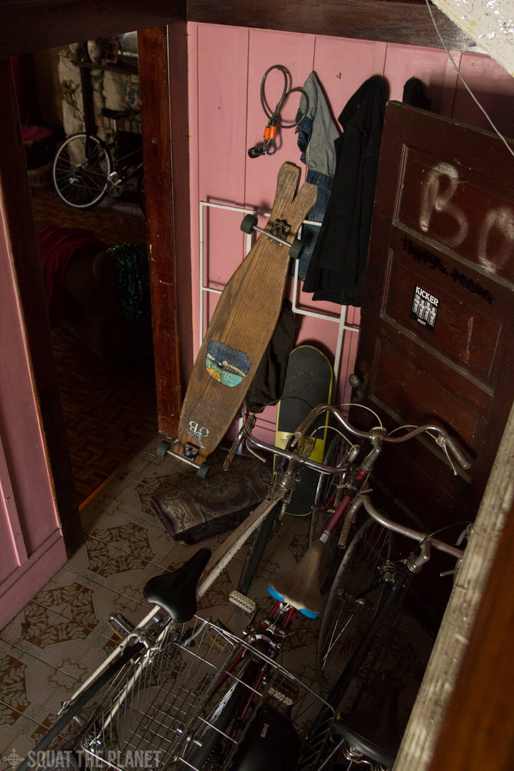 Bikes in the room_10-08-2013_006.jpg