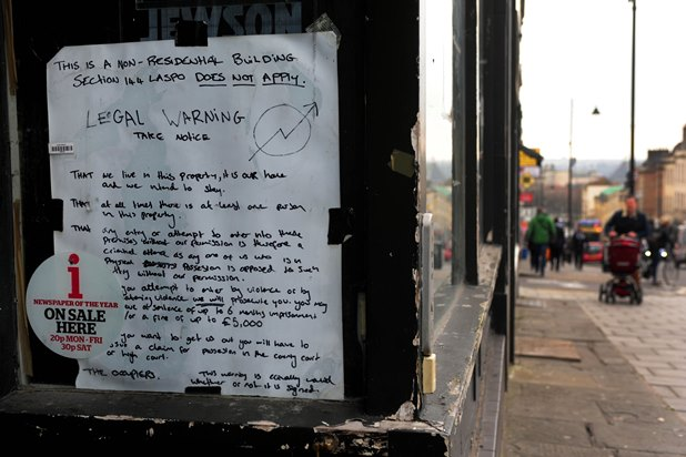 brjk20160314a-004_c-jpg.29589_Squatters have occupied a former Starbucks coffee shop on Park Street in Bristol_Squatting_Squat the Planet_1:16 AM