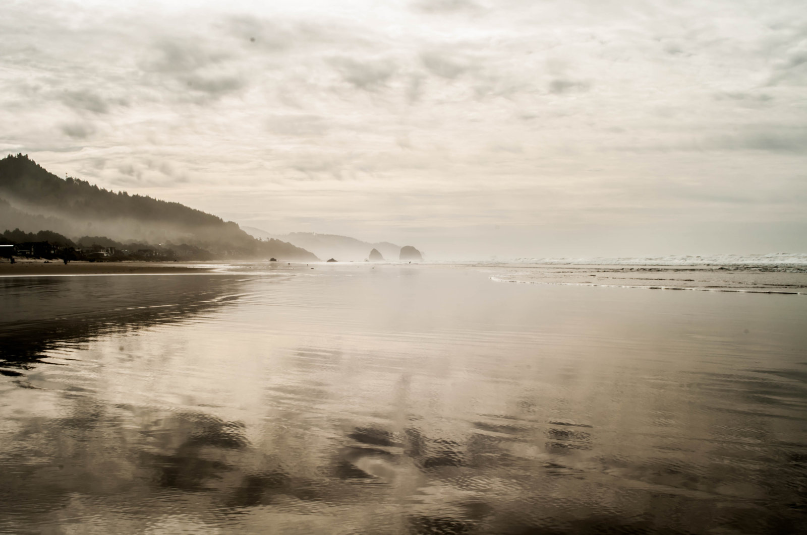 cannon-beach-or-1-jpg.30974_The New American Dream: Vagabond imagery and tales from the road._Travel Stories_Squat the Planet_1:12 PM