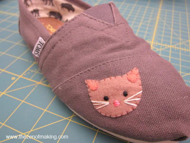 canvas_shoe_kitty_patch_09_tzom-jpg.20050_Shoe repair ..._Clothing_Squat the Planet_12:13 PM