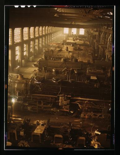 Chicago-and-Northwestern-locomotive-shops-Chicago-19441.jpg