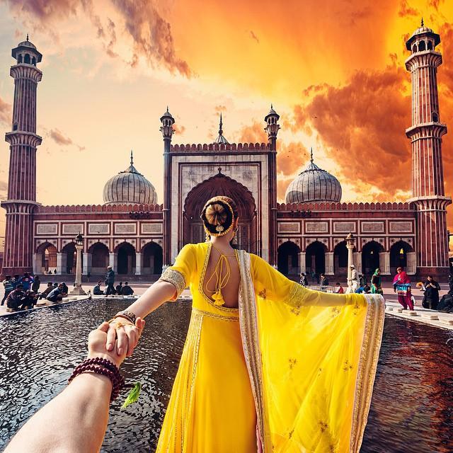 followmeto-india-selfie-murad-osmann-natalia-zakharova-3.jpg
