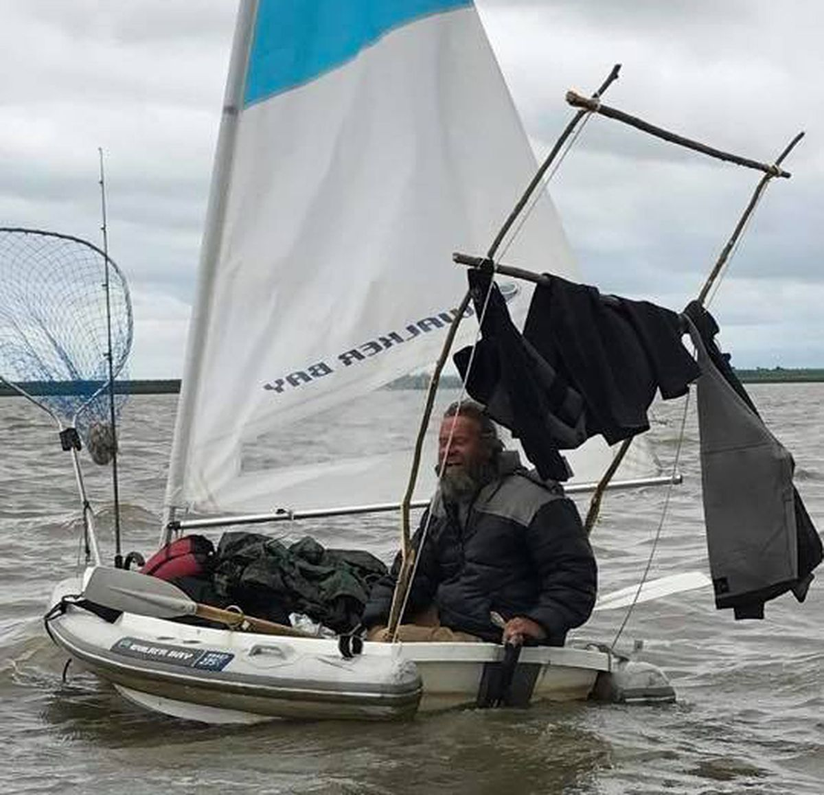 fr5zwdfrbjfbljbk7hye2i2vvi-jpg.47882_Homeless Man Sails 8 Foot Dinghy to Russia from Alaska_Boat Punk / Sailing_Squat the Planet_12:53 PM