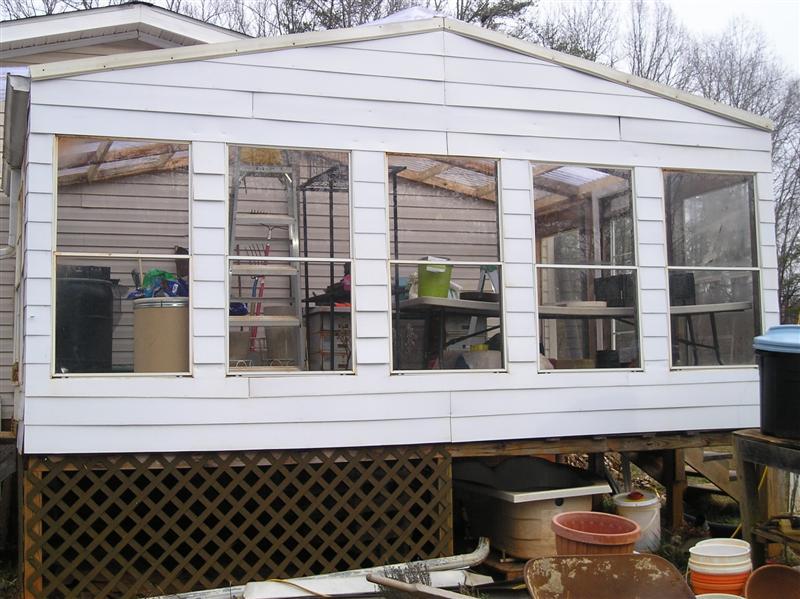 greenhouse-dec-2012-medium-jpg.22353_Flat broke homesteading_Alternative Housing_Squat the Planet_12:08 PM