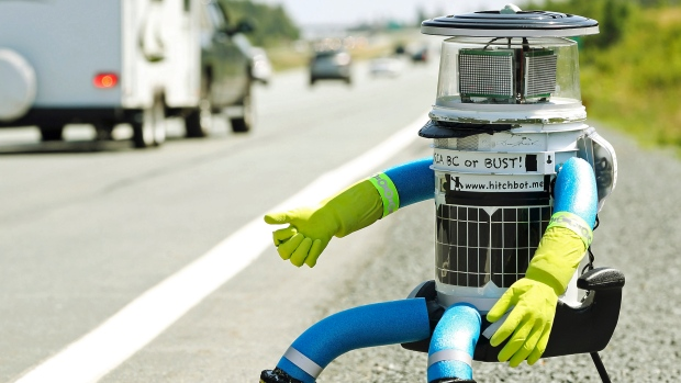 hitchbot-victoria-or-bust-jpg.24363_HitchBOT destroyed in Philadelphia, ending U.S. tour_Hitchhiking_Squat the Planet_10:50 PM