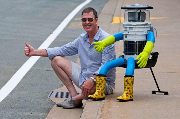 hitchbot3-jpg.20669_The Hitchhiking Robot Uprising_Hitchhiking_Squat the Planet_1:30 PM