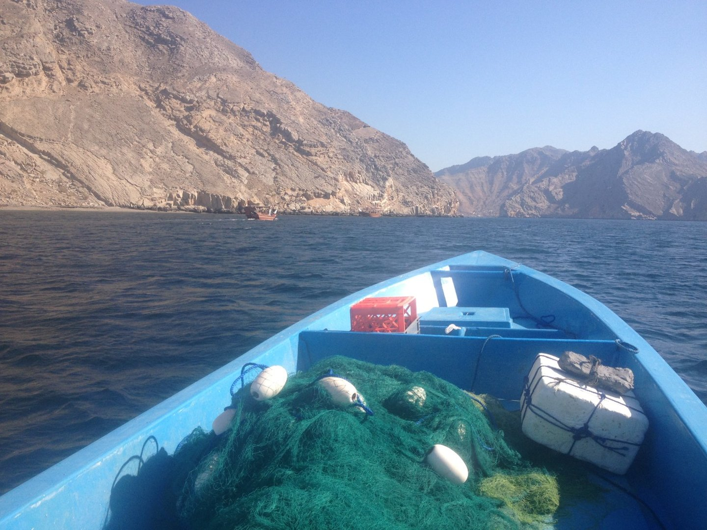 img_0811-jpg.41308_Hitching boats in the Strait of Hormuz   Expat squatters of Oman_Travel Stories_Squat the Planet_12:38 PM