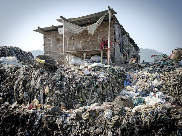 india6-jpg.21071_Living inside a landfill_Squatting_Squat the Planet_10:58 AM