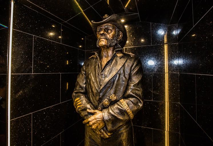 lemmy-statue-levan-tk.jpg