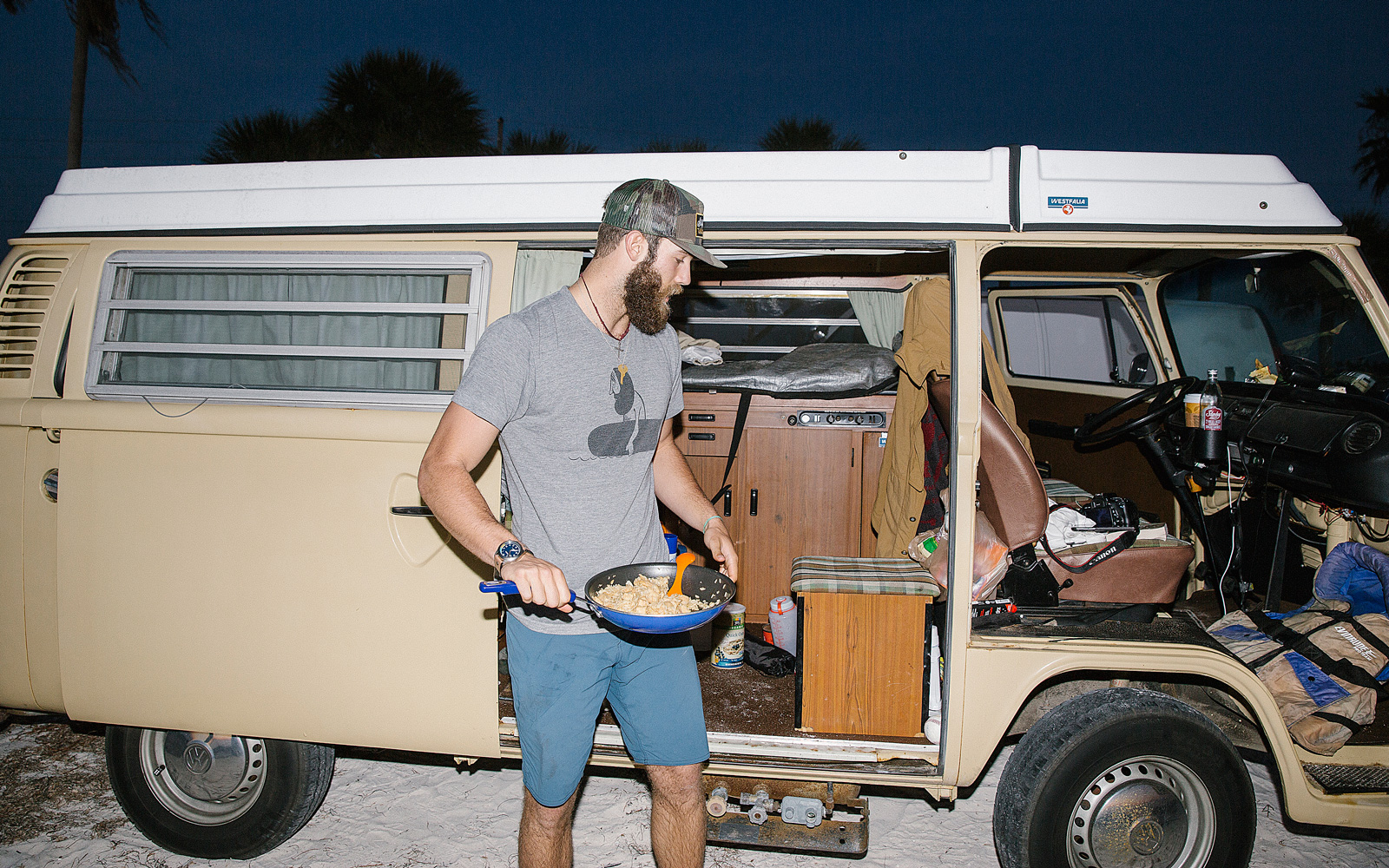 mag_danielnorris01_nw_1600x1000-jpg.25219_Millionaire Pitcher Lives in His Volkswagen Microbus_Van Dwelling / Rubber Tramping_Squat the Planet_6:27 PM