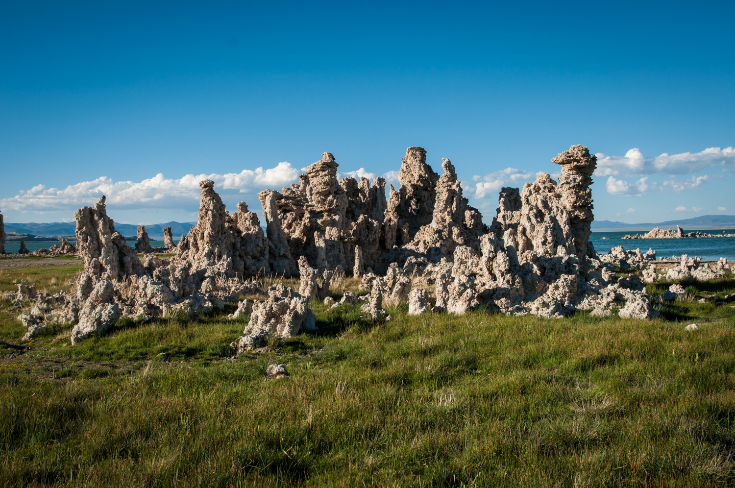 mono-lake-tufas-jpg.30701_The New American Dream: Vagabond imagery and tales from the road._Travel Stories_Squat the Planet_12:03 PM