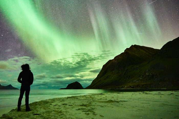northern-lights-aurora-lofoten-by-campervan-haukland-beach-6-700x467-jpg.47599_Lofoten by Campervan: Watching the Northern Lights on Haukland Beach_Van Dwelling / Rubber Tramping_Squat the Planet_3:02 PM