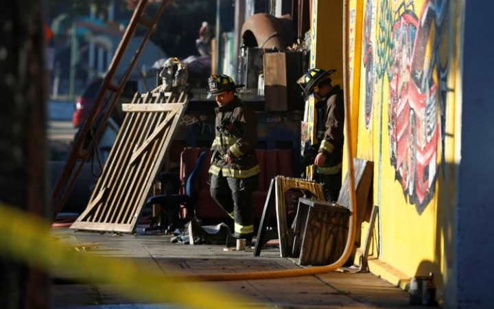 oakland-fire1-large_trans-rwyeuu_h0zbkyvljoo6zlpl_nie2fap-5tqsk61ime8-jpg.46970_Oakland, CA: Nine confirmed, 40 feared dead after massive fire during rave_Squatting_Squat the Planet_12:14 PM