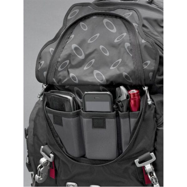 oakley_kitchen_sink_backpack_09-jpg.35330_Ultimate Trackpack - Oakley Kitchen Sink_Backpacks & Pouches_Squat the Planet_9:20 AM