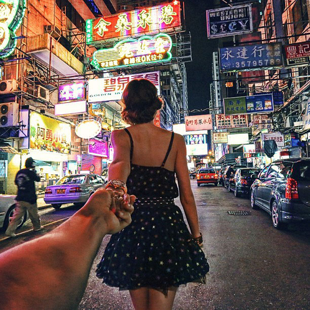 photographer-follows-girlfriend-around-the-world-holding-hand-photo-series-6.jpg