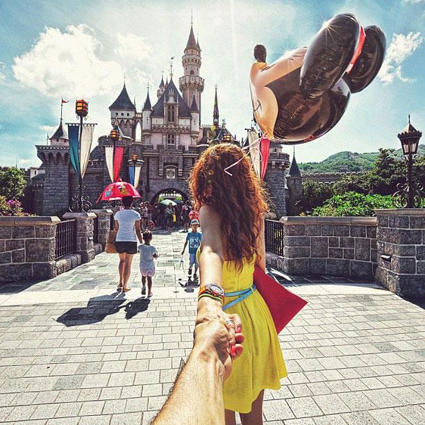 photographer-follows-girlfriend-around-the-world-holding-hand-photo-series-7.jpg