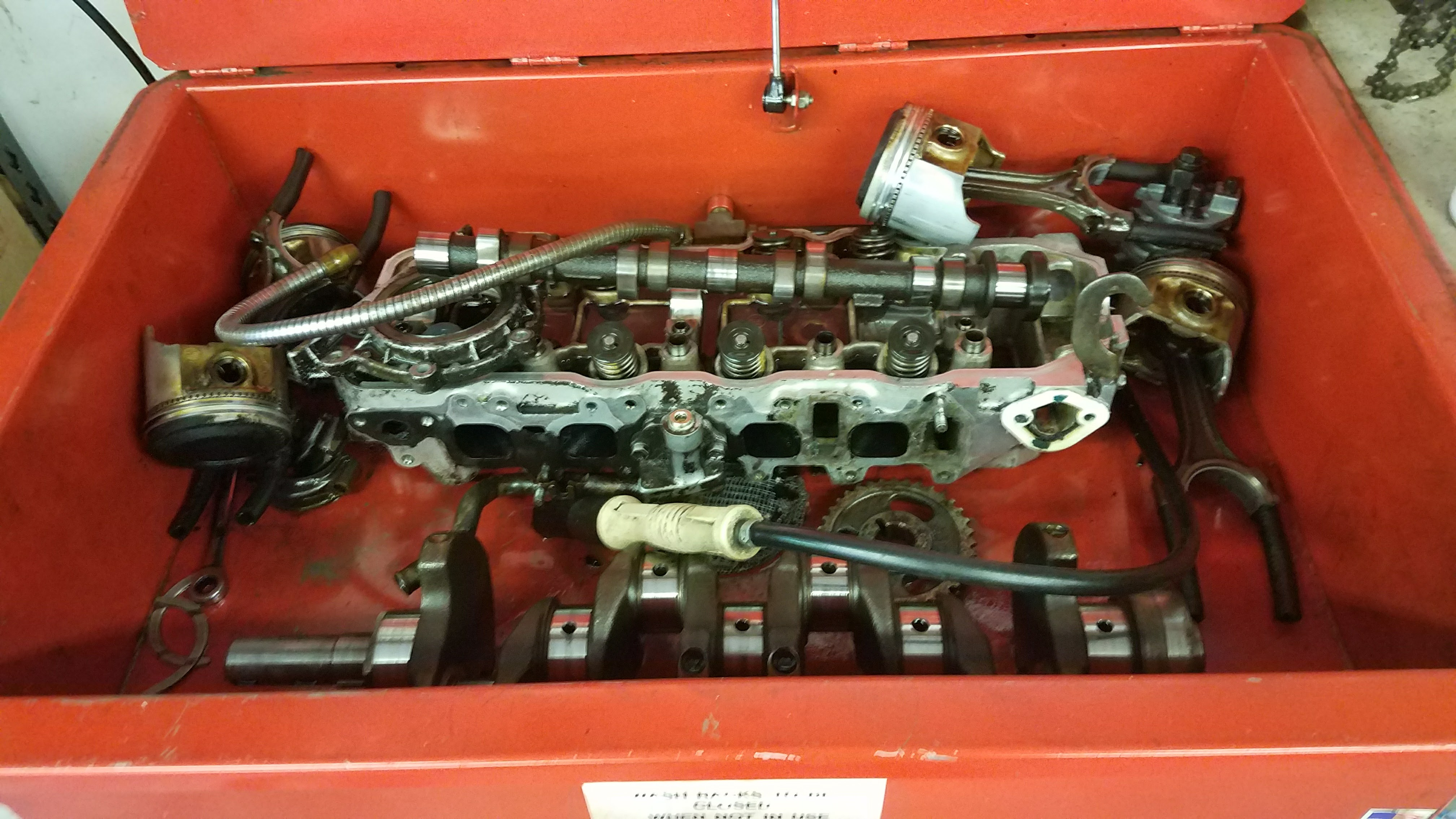 22R Engine Rebuild | Squat the Planet