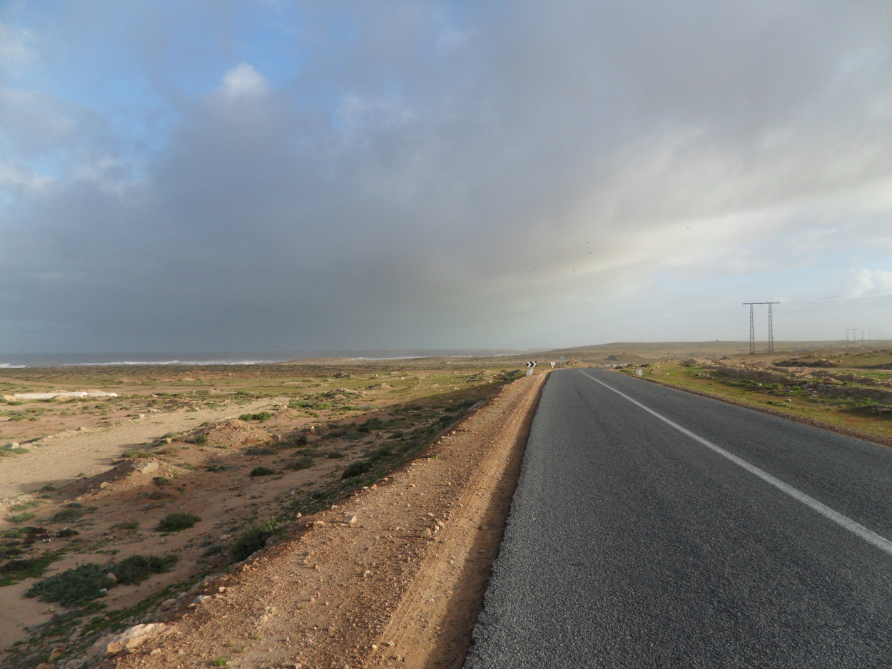 sam_2874-jpg.41794_On Hitchhiking in Morocco_Hitchhiking_Squat the Planet_{posttime}