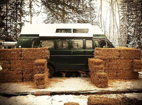 straw-bale-van-31.jpg