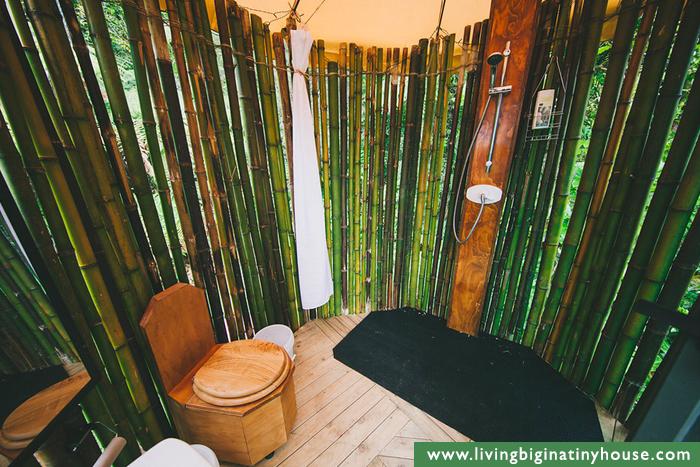 tiki-bathroom-hut-jpg.42796