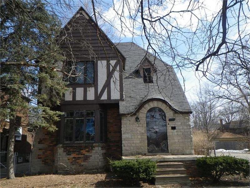 w0ud2l19tzbfvb1ylsc0-jpg.46880_Detroit auctions historic homes for $1,000_Alternative Housing_Squat the Planet_7:21 AM