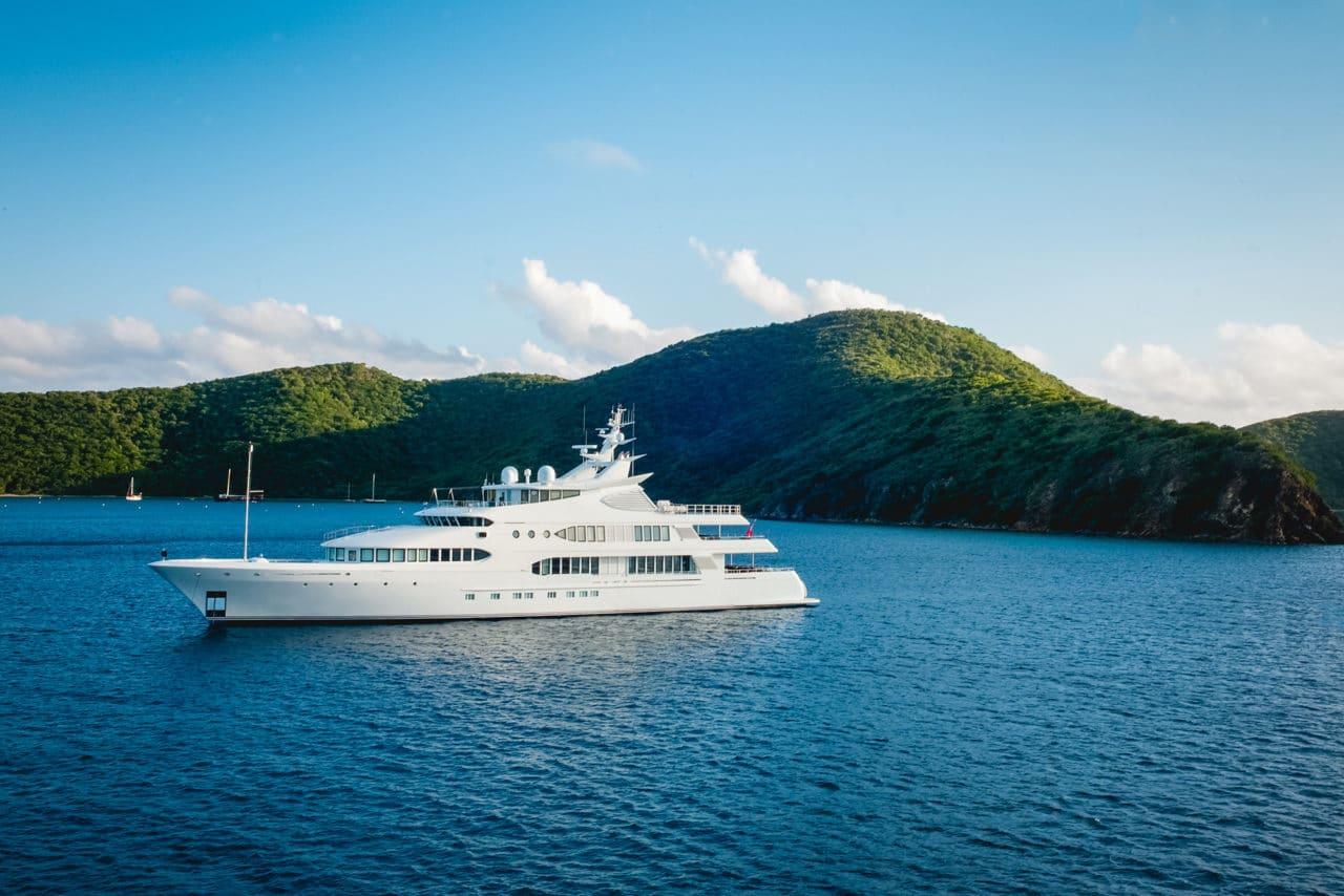 yacht-jobs-blog.jpg