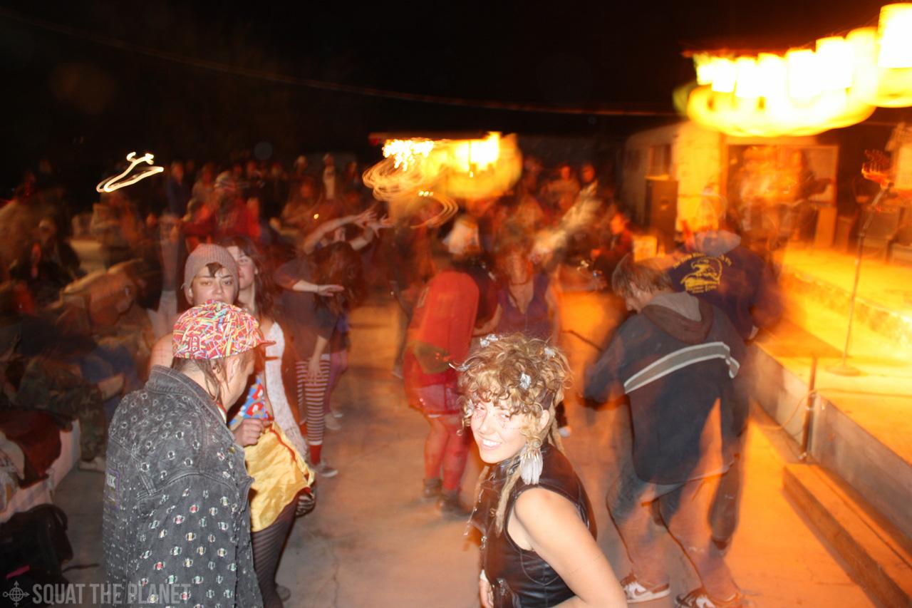 Yes dancing_12-31-2011_001.jpg